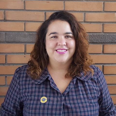 Miss Mariana Bolton