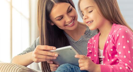 Padres activos en redes sociales son el mejor factor de protección para sus hijos frente a los riesgos de internet