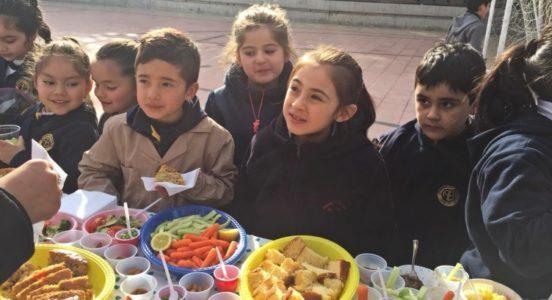 Degustación de alimentos saludables en Sede Primary
