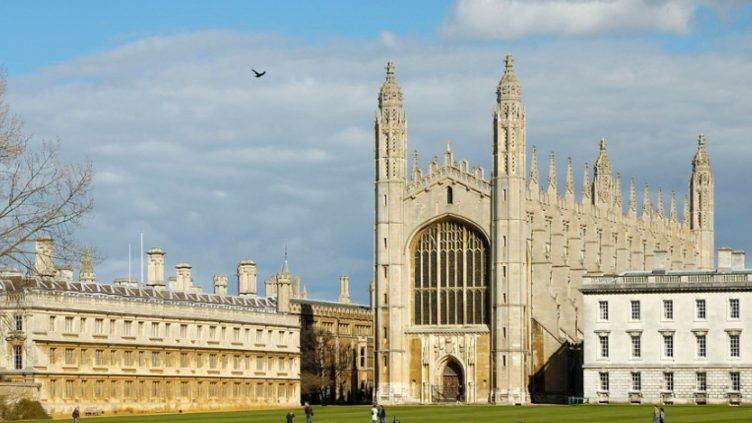 "Charla: ""Cambridge International Education: nuevo currículum del programa bilingüe"""
